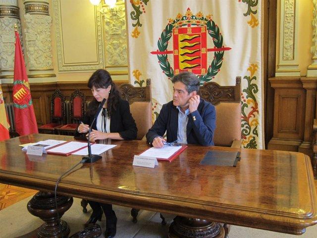 Ana Redondo y José María Viteri en la presentación de la programación infantil