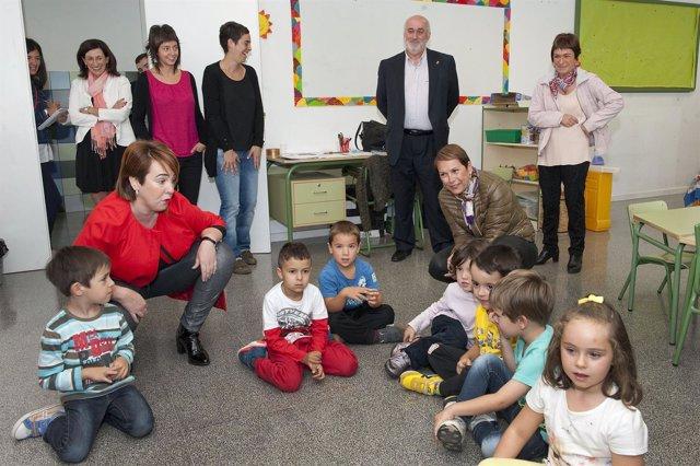 Uxue Barkos inaugura el curso escolar.