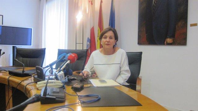 Dolores Gorostiaga, presidenta del Parlamento de Cantabria