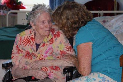 Piden un Plan Nacional para el Alzhéimer y otras demencias que incluya a los cuidadores