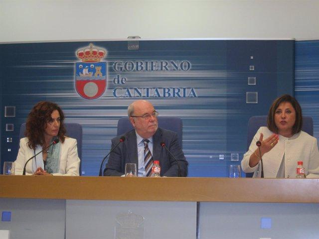 Juan José Sota con la directora del SCE y la directora general de Trabajo
