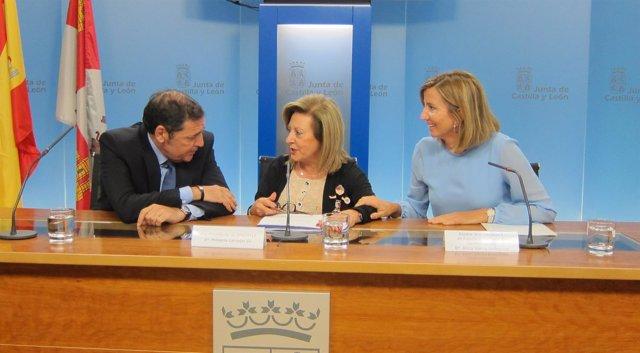 Sáez Aguado, Milagros Carvajal y Alicia García en rueda de prensa