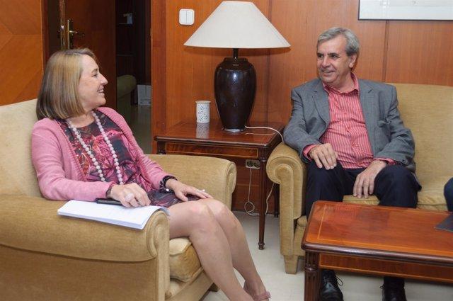 Fiscal de Cantabria con consejero de Presidencia