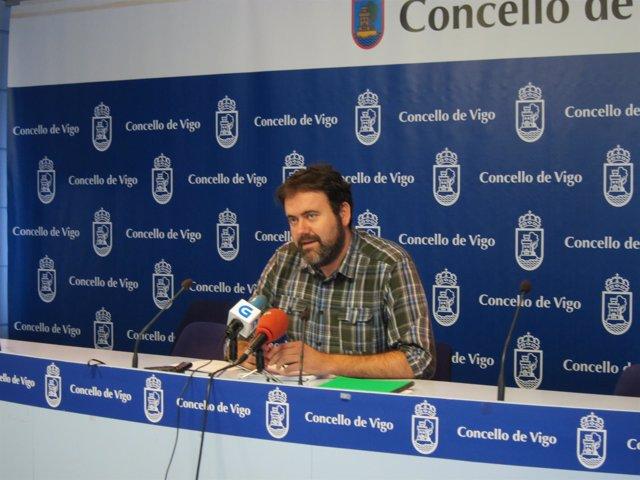 El portavoz de Marea de Vigo, Rubén Pérez