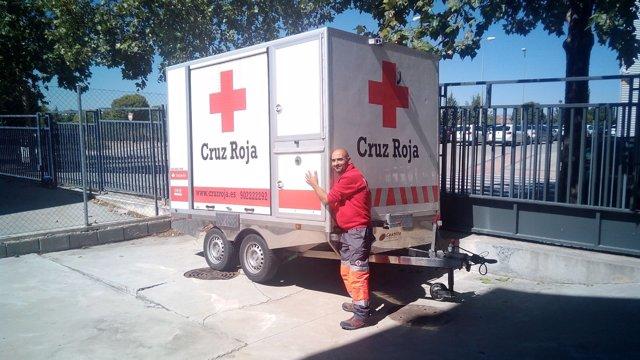 Parte de Zaragoza una unidad móvil sanitaria de Cruz Roja para refugiados
