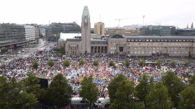 Manifestación en Helsinki contra los recortes