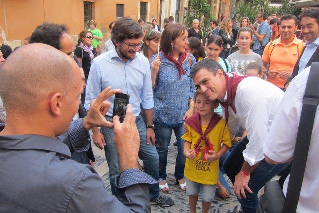 El líder del PSOE, Pedro Sánchez, visita Tarragona en campaña