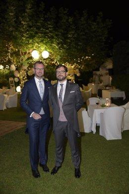 Javier Maroto y su esposo José Manuel Rodríguez