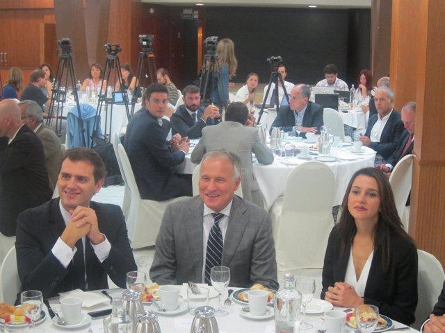Albert Rivera (C's), Jorge Bou (Empresaris de Catalunya) e Inés Arrimadas (C's)
