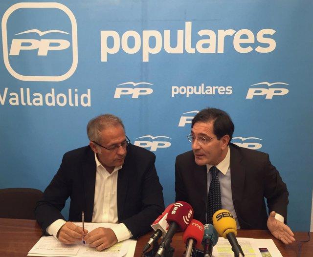 Los concejales del PP José Antonio Martínez Bermejo y Jesús Enríquez