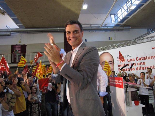Pedro Sánchez un acto de campaña del 27S