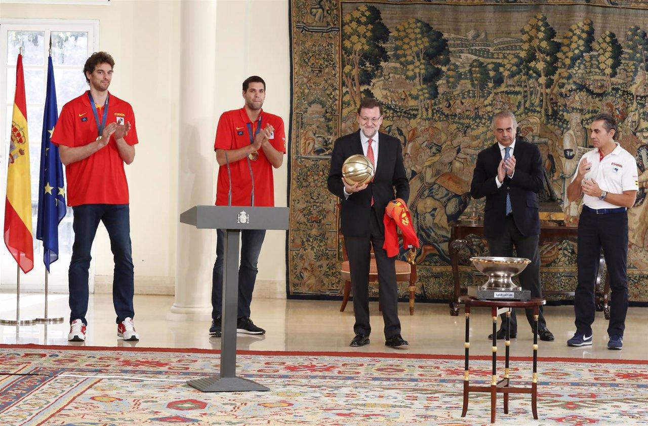 Pau Gasol, Felipe Reyes, Mariano Rajoy, José Luis Sáez, Sergio Scariolo,