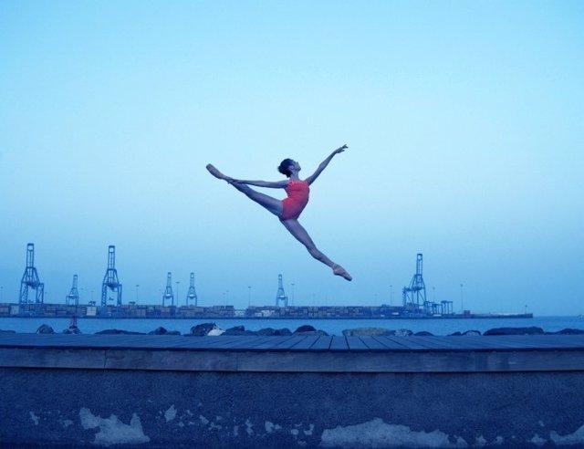 Imagen ganadora, 'Salto en la luz' de Andrés Saavedra