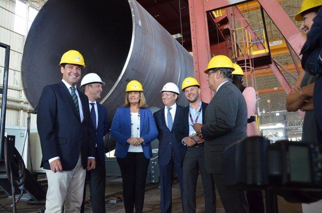 Báñez y Moreno durante la visita a la empresa