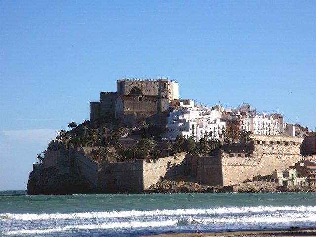 Playa Norte de Peñíscola con el Castillo al fondo