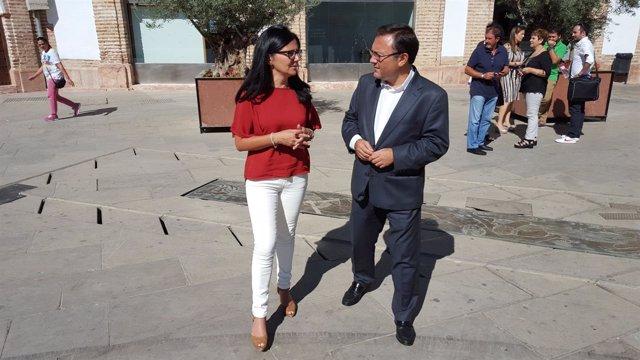 Heredia PSOE con la alcaldesa de Archidona Mercedes Montero