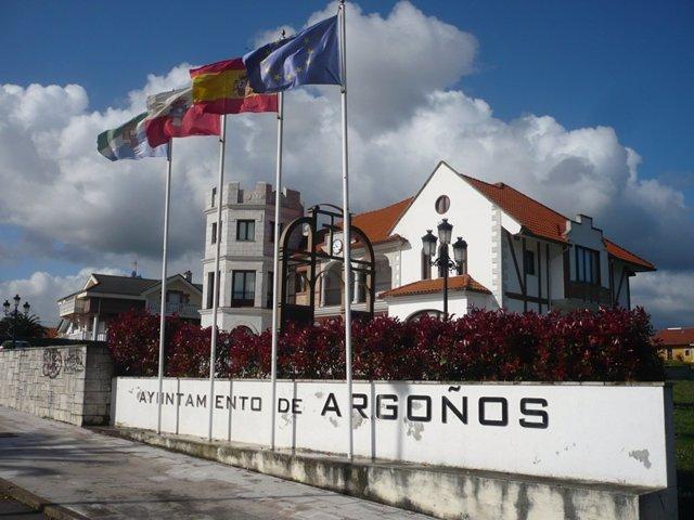 Fachada del Ayuntamiento de Argoños