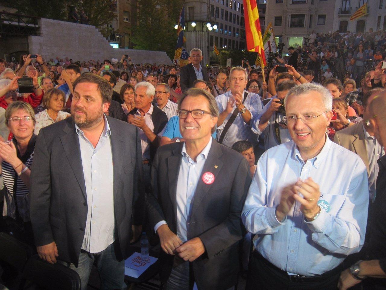 O.Junqueras, el pte.Artur Mas y J.M.Forné, Junts pel sí