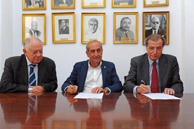 Convenios del Colegio de Economistas con el Ateneo y la Soc. Ménendez Pelayo