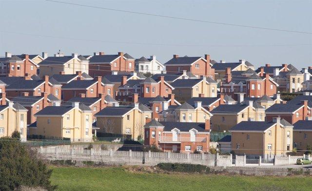 Casas, chalets, viviendas. Pueblo. Camargo. Cantabria.