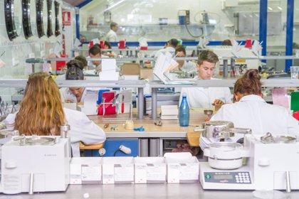 La industria farmacéutica aumenta su inversión en I+D en España