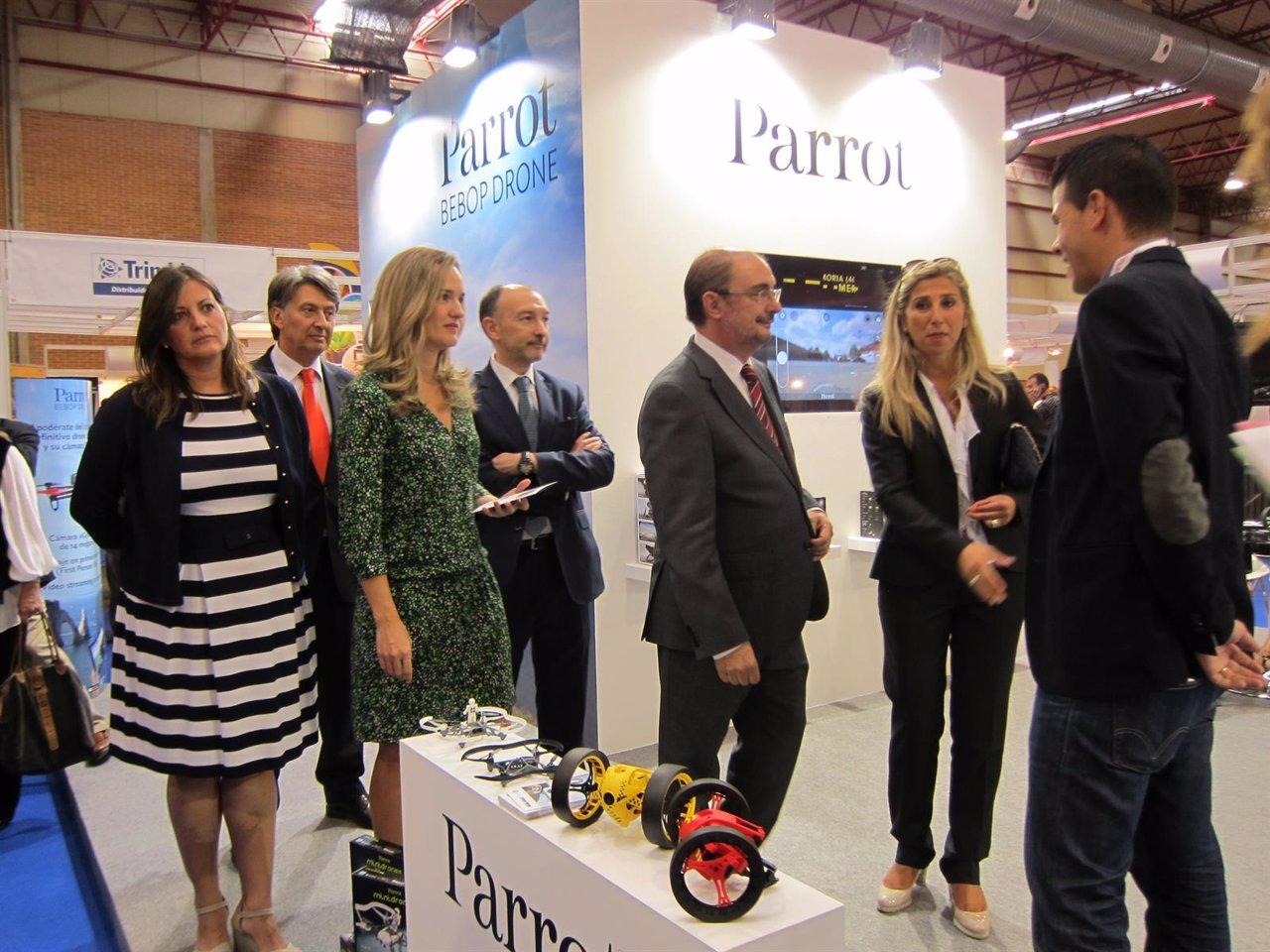 Lambán inaugura visita Expodrónica 2015.