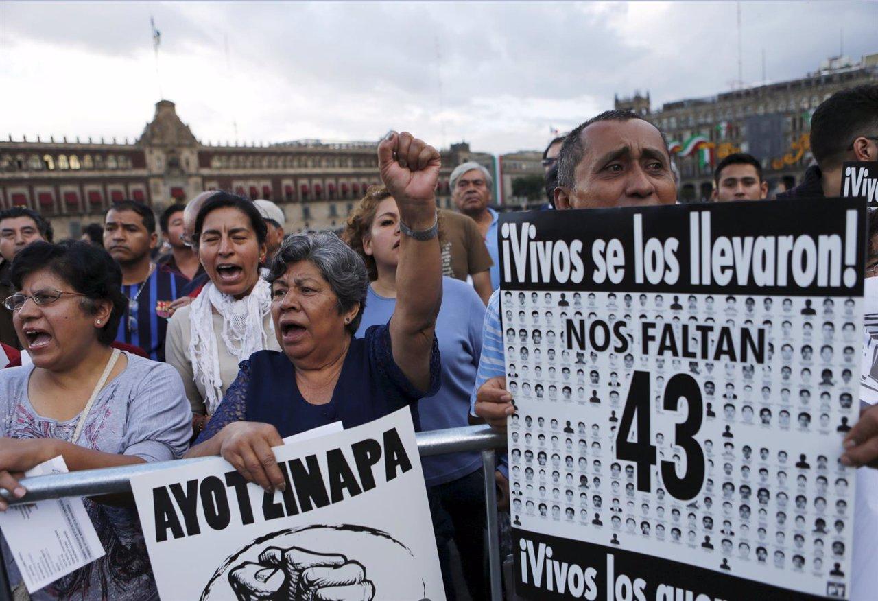 Manifestación por los 43 'normalistas'