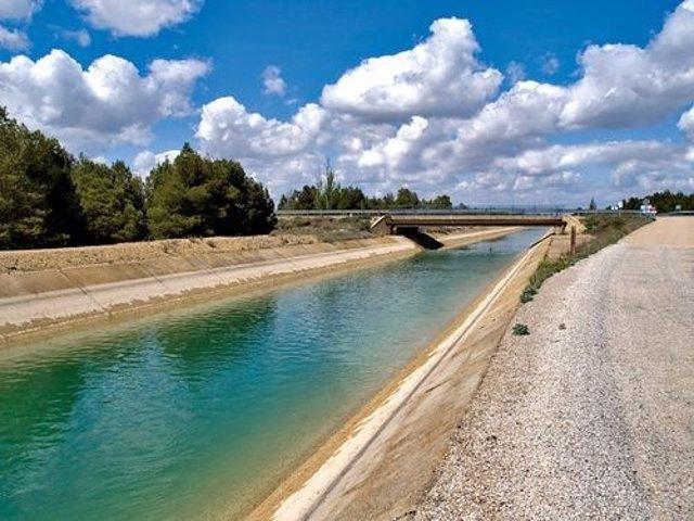 Canal del trasvaseTajo-Segura