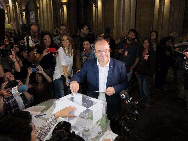 Miquel Iceta votando el 27S