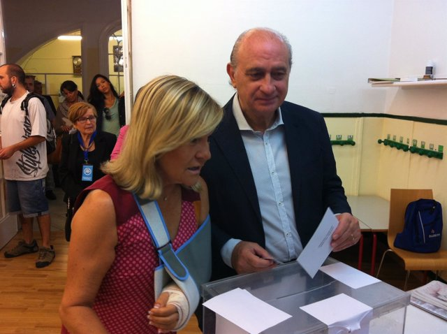 El ministro Jorge Fernández vota el 27S