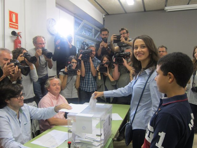 Inés Arrimadas (C's) vota el 27S
