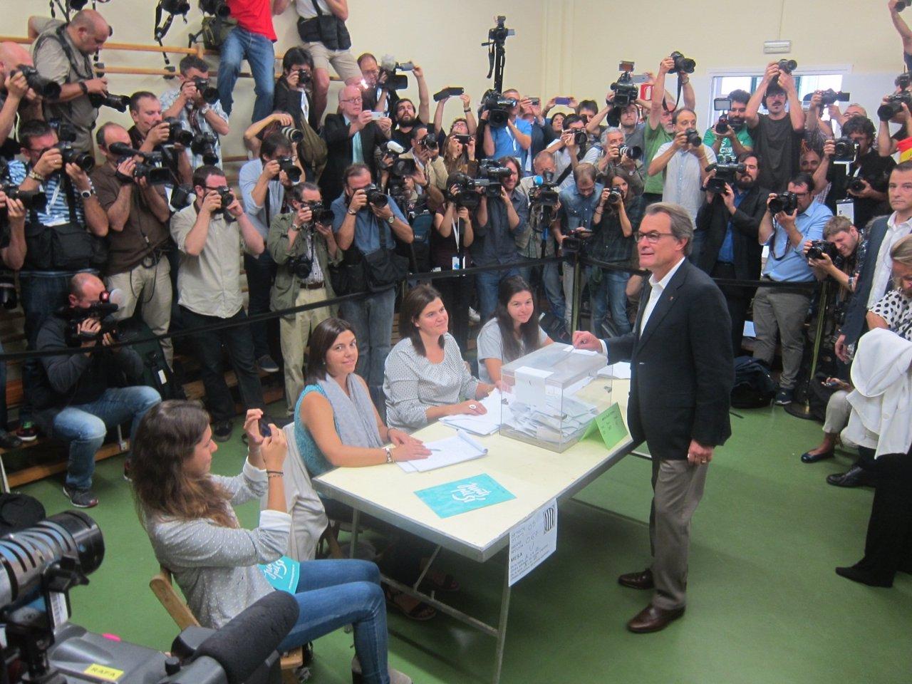 Artur Mas vota el 27S