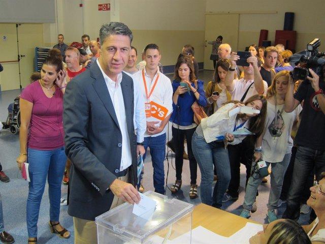 Xavier Garcia Albiol vota el 27S