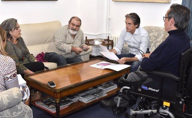 Reunión Ayuntamiento de Santander con la Asociación de Enfermos de Crohn
