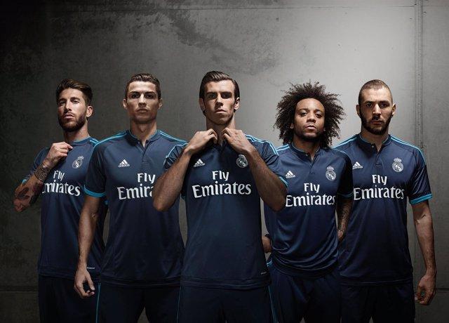 El Real Madrid estrenará frente al Malmoe su tercera equipación de color  azul oscuro ca36ba5403640