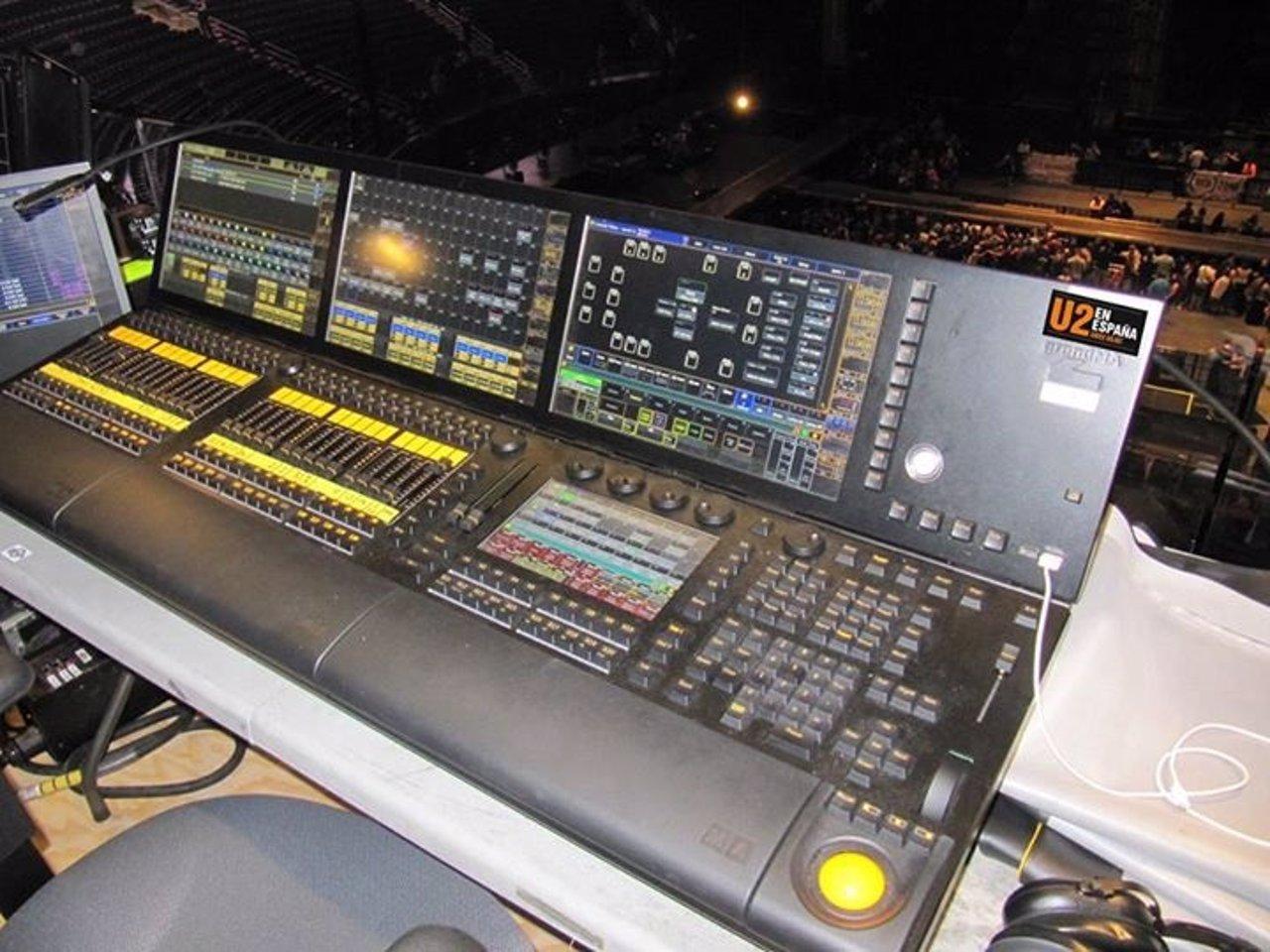 Mesa de sonido de la gira de U2