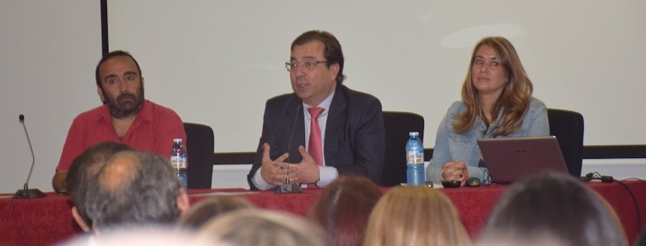 Miguel Ángel Morales, Guillermo Fernández Vara y Ana Rubio