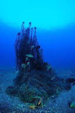 Basura en fondos marinos