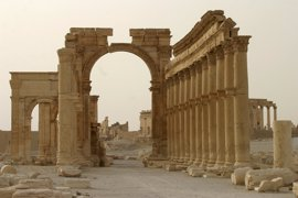 La UNESCO condena la destrucción del Arco del Triunfo de Palmira por parte del Estado Islámico