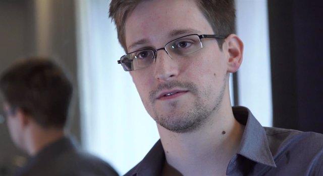 El excontratista de la NSA estadounidense Edward Snowden