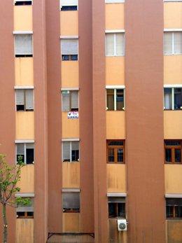 Un edificio de Las Palmas de Gran Canaria con una vivienda en venta