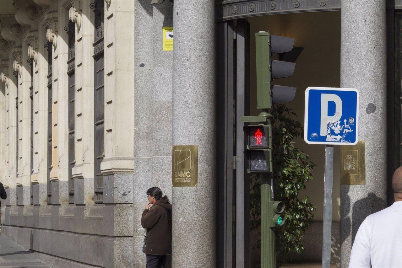 CNMC, Comisión Nacional de los Mercados y la Competencia, semáforo en rojo