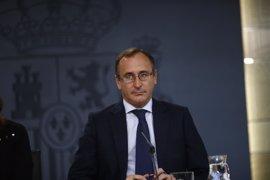 """Alonso discrepa de Aznar y dice que el PP se """"juega"""" las elecciones con el PSOE, mientras C's está """"en la ambigüedad"""""""