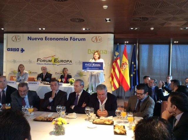 Isabel Bonig interviene en un desayuno informativo en Valencia