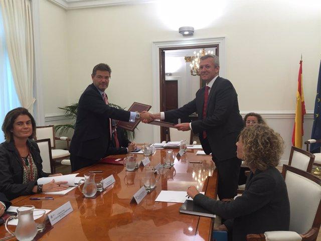 Rafael Catalá Firma Un Convenio Con La Xunta