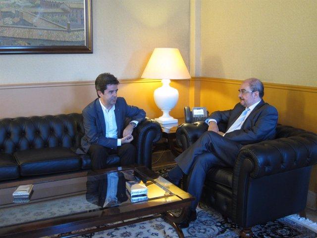 Javier Lambán y Luis Felipe, en su reunión este martes en el edificio Pignatelli