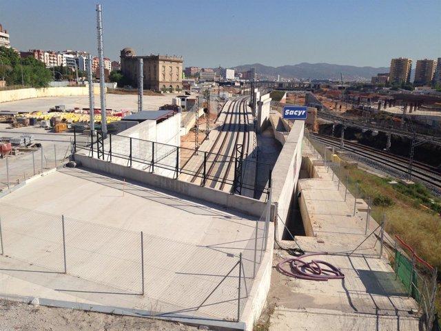 Obras del AVE en el barrio de la Sagrera en 2014