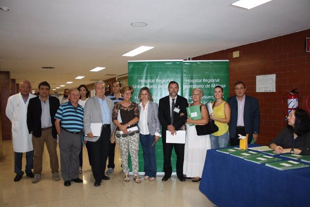 Pacientes y profesionales se reúnen con la Junta en Málaga
