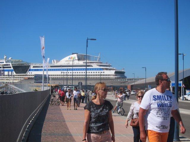 Cruceristas, turistas, turismo, crucero, pasajeros, málaga, buque, barco
