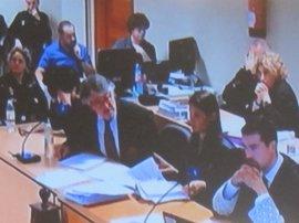 La Guardia Civil detectó restos en la camiseta de Asunta en la noche de su muerte y se planteó que fuesen de semen